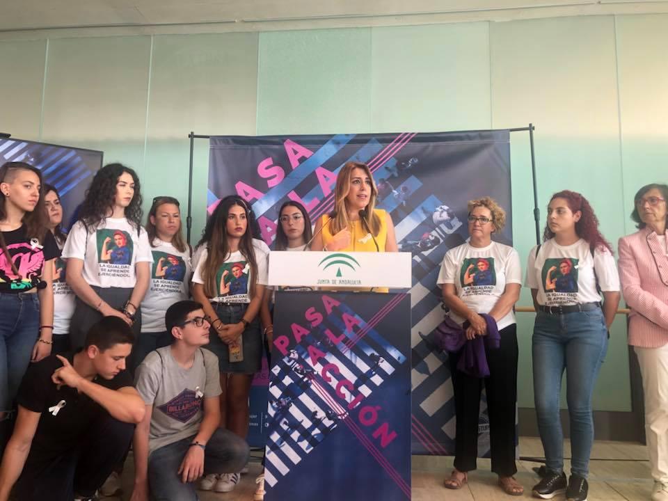 Susana Díaz presenta la campaña Pasa a la Acción contra la violencia de género en el Puerto de Málaga