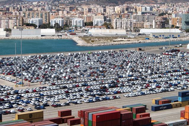 Semana récord para el tráfico de vehículos en el Puerto de Málaga
