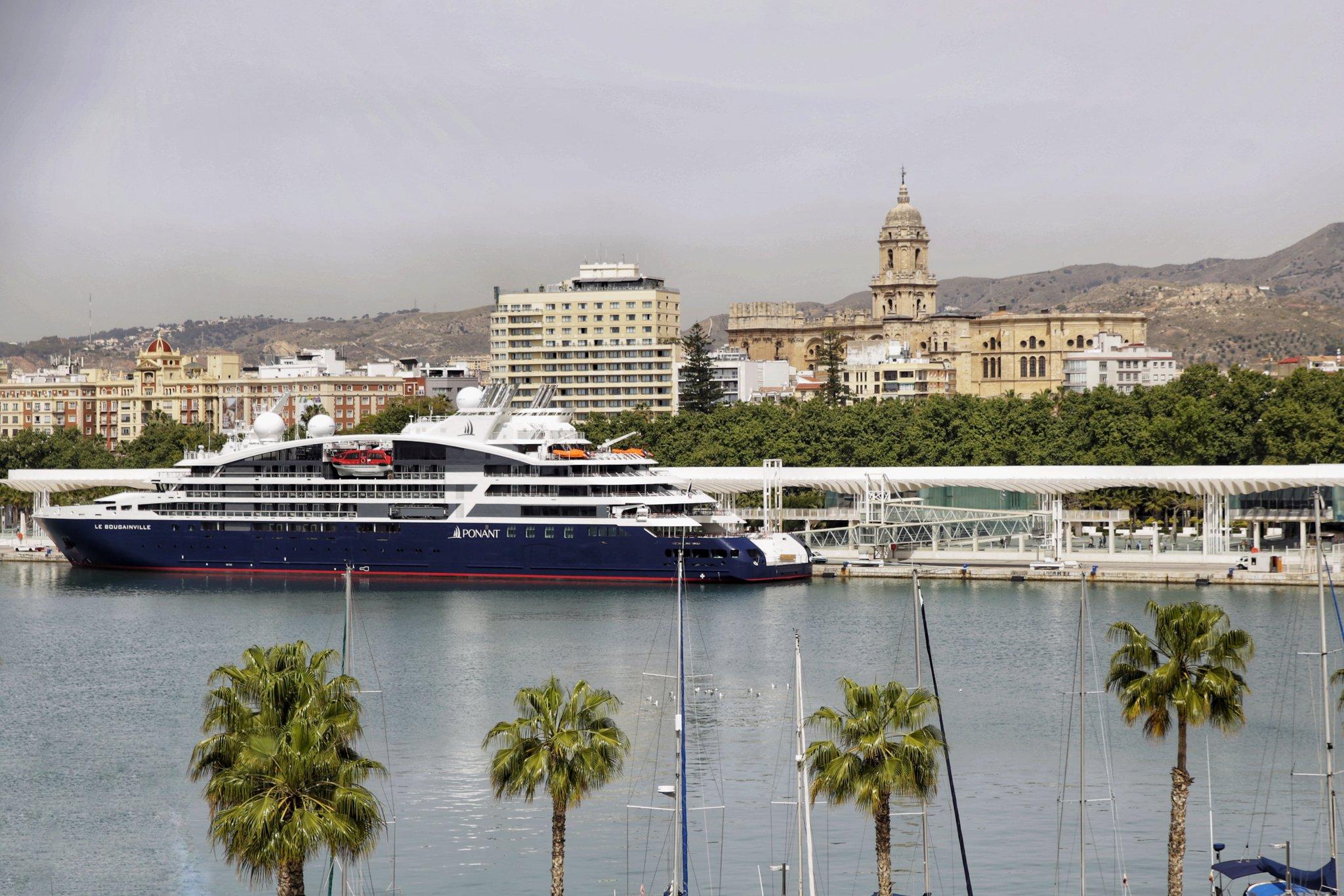 El nuevo buque exclusivo 'Le Bougainville' inicia su viaje inaugural desde el Puerto de Málaga