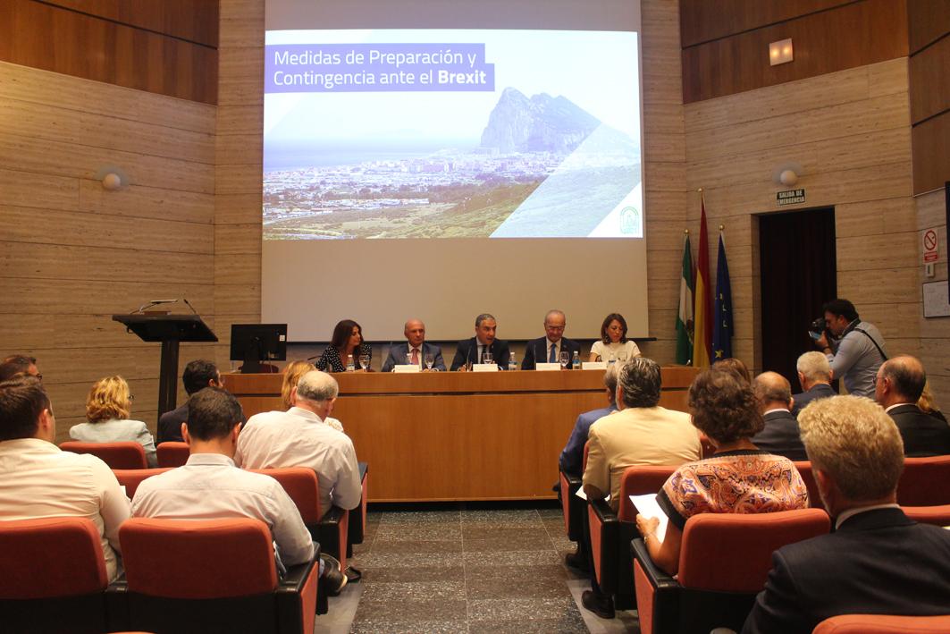 Jornada en el Puerto: Elías Bendodo presenta el plan andaluz de contingencia ante el Brexit