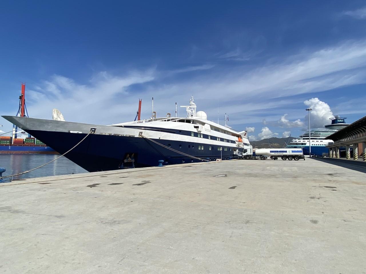 El buque de crucero 'CLIO' atraca en el Puerto de Málaga con un permiso especial