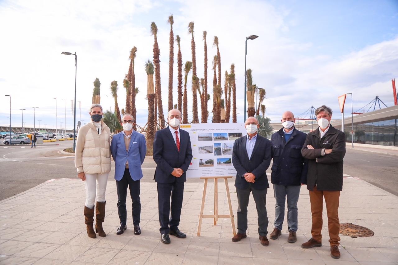 El presidente de la Autoridad Portuaria y el alcalde de Málaga visitan los trabajos de ajardinamiento viario en la zona de Levante